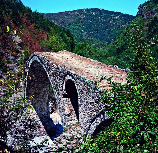 Dyadovtsi-devil's bridge