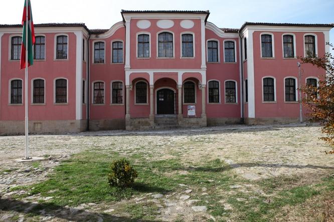 Istoricheski muzei Karlovo1