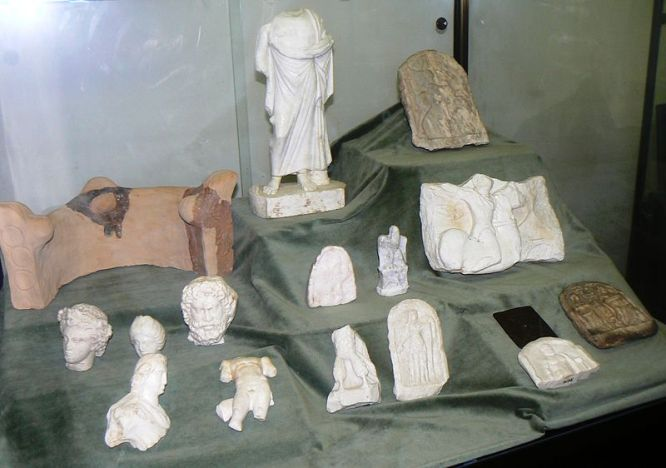 Nova-Zagora-history-museum-clay-altair-stone-plastics