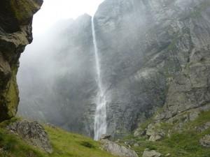 Raiskoto Praskalo Waterfall