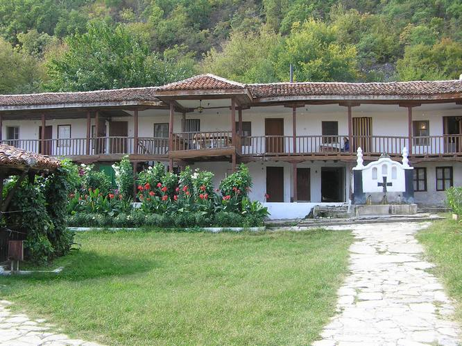 ustrem monastery